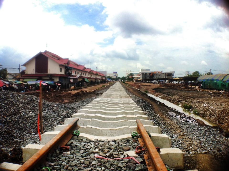アランヤプラテートからカンボジアへ伸びる線路