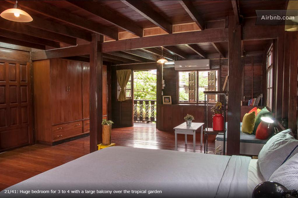タイ式古民家の寝室