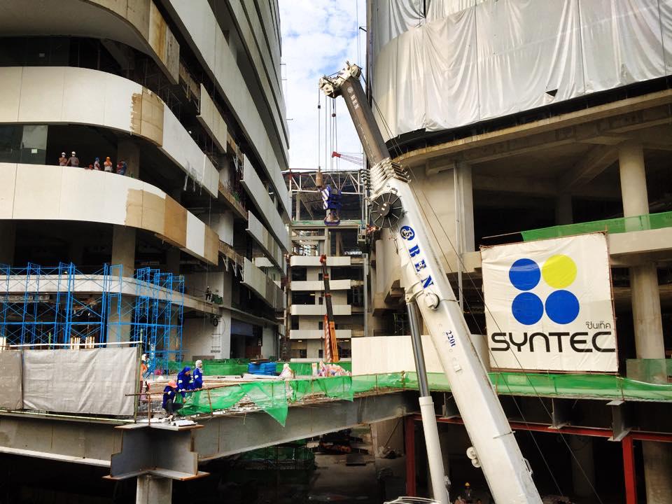 バンコク・プロンポンで工事中のエムクアティア
