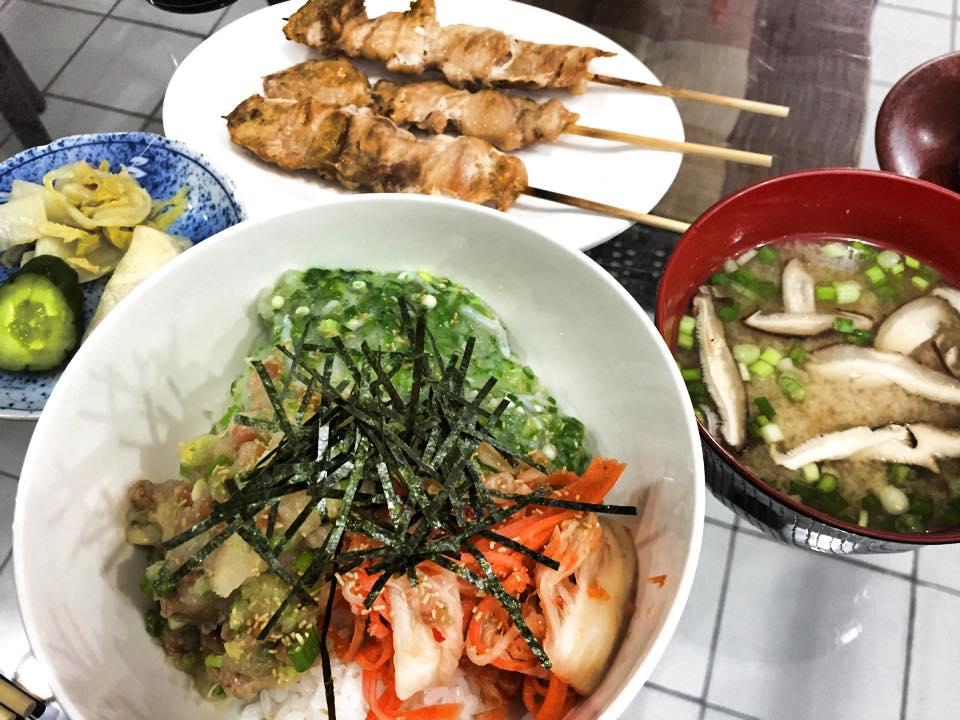 パタヤ日本料理・粽(ちまき)ネバネバ丼・焼き鳥