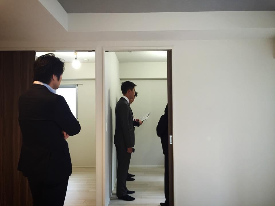バンコクのコンドミニアム業者と日本のマンションを視察