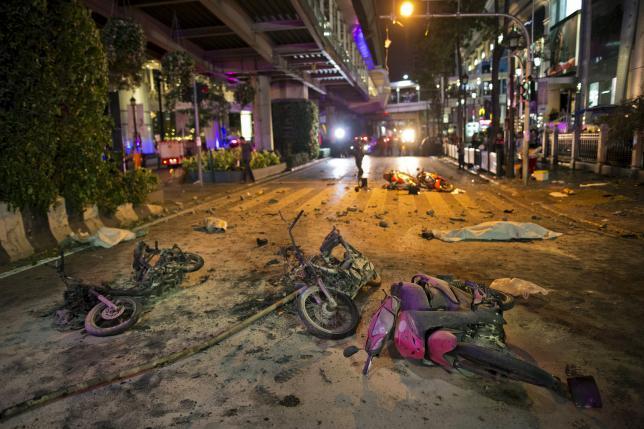 バンコク中心部でオートバイ爆弾爆発、12人死亡