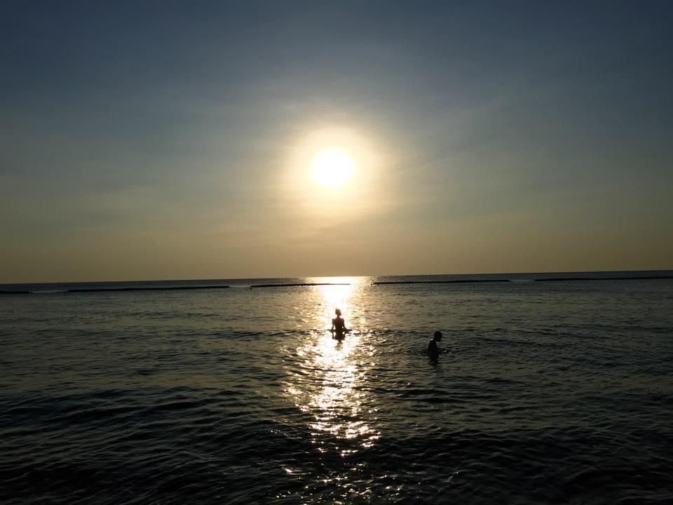 パタヤのジョムティエンビーチの夕暮れ