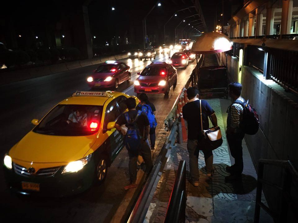 Don Muang Taxi bridge2